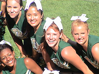 Group cheerleaders4