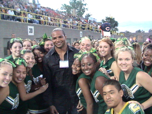 Brendon_ayanbedjo_with_cheerleaders